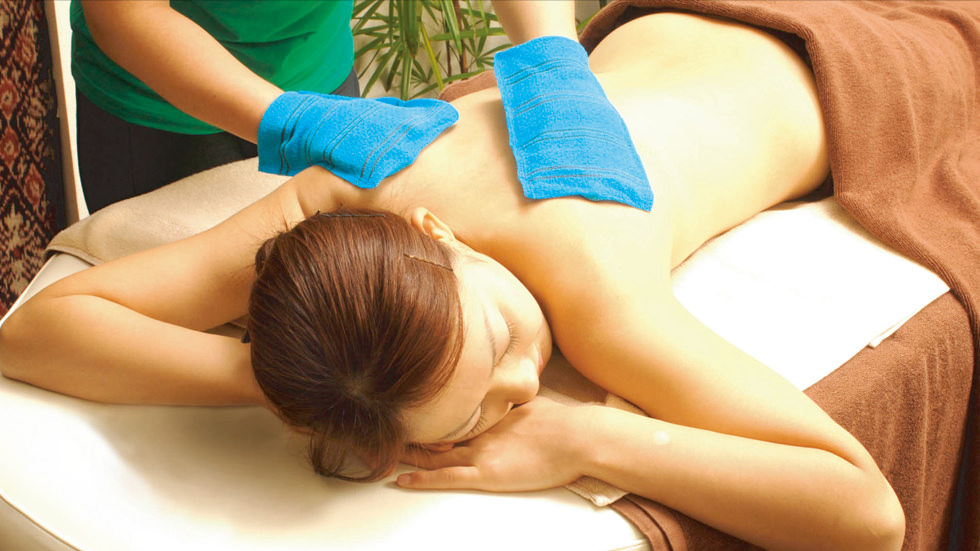 Lymphatic Oil Massage