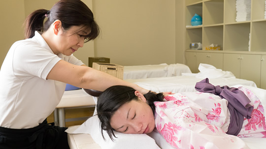 Hands-On Full-Body & Foot Massage
